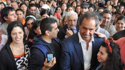 Scioli: con problemas para captar al voto de Massa, apuesta todo al debate