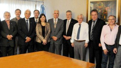 Daniel Scioli criticó el fallo de la Corte Suprema que obliga a YPF a revelar el pacto con Chevron