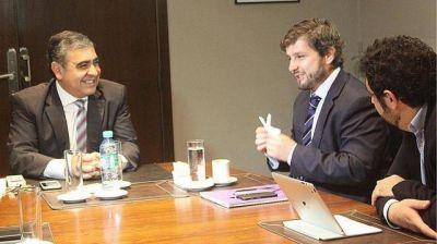 El intendente Alfaro recibió en su despacho a Campero, de Yerba Buena