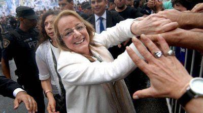 El candidato opositor pidió que la Corte Suprema frene la asunción de Alicia Kirchner