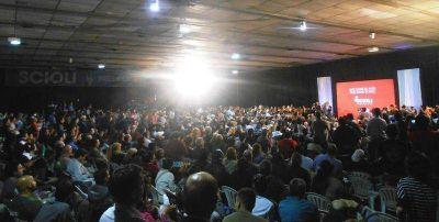 Junto a Scioli, el FPV de San Martín colmó el Centro de Miguelete y llamó a convencer a los indecisos