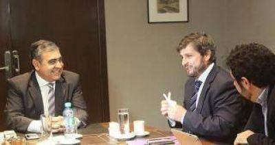 Alfaro garantiza el pago de sueldos en la capital