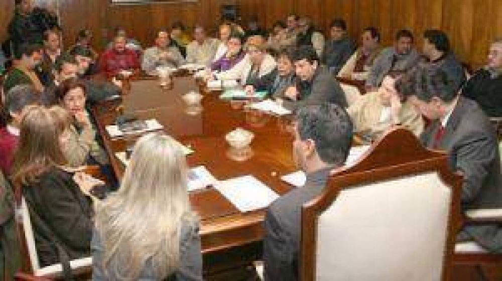 Plazo de diez días para que gremios docentes presenten sus propuestas para el nomenclador