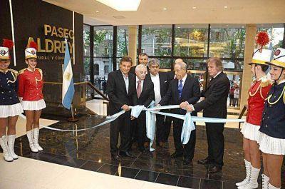 El Paseo Aldrey inauguró sus locales comerciales
