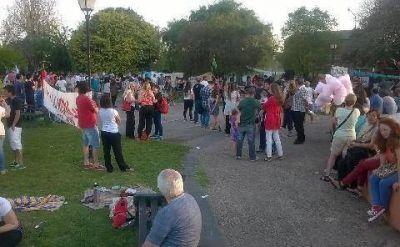 Cientos de vecinos se convocaron bajo la consigna