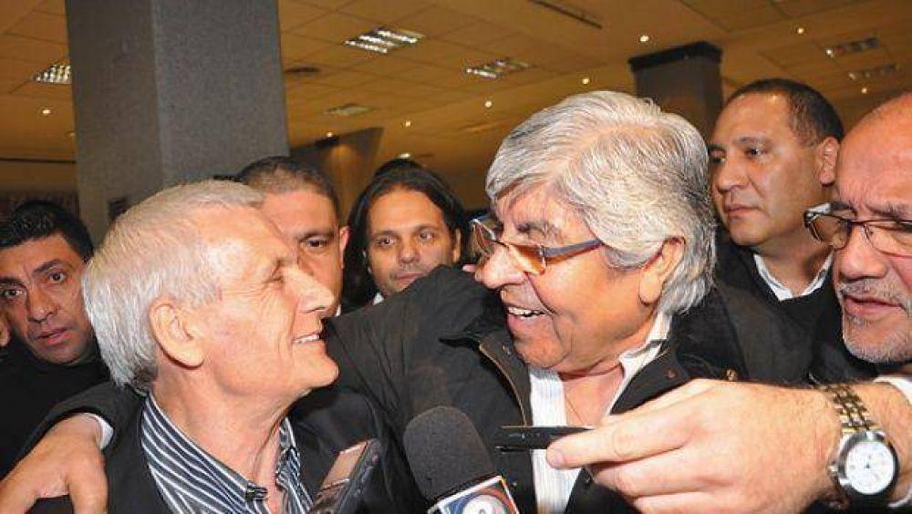 Sin candidatos y con promesas de paz social, Moyano y Caló despiden la campaña