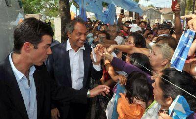 Scioli llega hoy a Mendoza y dicen que viola la ley electoral