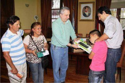 Passalacqua entregó elementos a niños con discapacidad