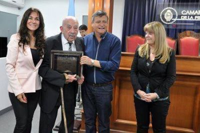 Peppo se sum� a la distinci�n a Jacobo Garber en la C�mara de Diputados