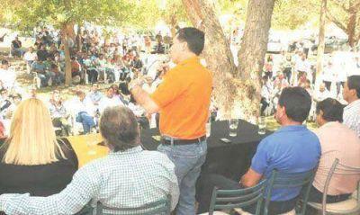 Casas y Bosetti se reunieron con la dirigencia de Los Sauces