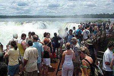 Cámaras y empresarios turísticos advierten por impacto negativo de quitar feriados