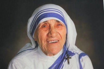 Madre Teresa hacia la canonización en septiembre de 2016