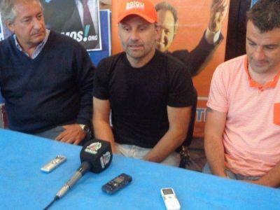 Marcos Di Palma visitó la ciudad y apoyó la candidatura de Scioli