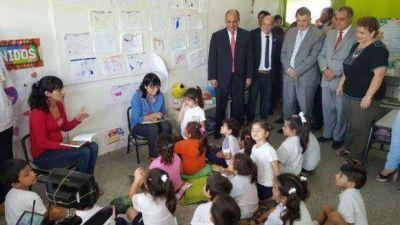 """""""Lo que construimos en los jardines de infantes es el futuro de Tucumán"""", aseveró Manzur"""