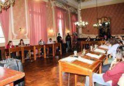 Asesoría General de Gobierno avaló que los concejales no cobren aumento
