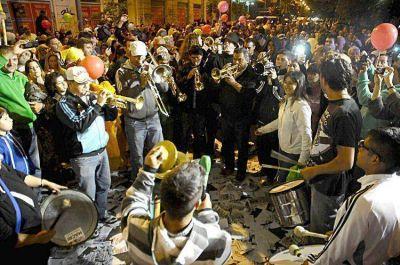 En Mar del Plata, la sede de Cambiemos fue una fiesta