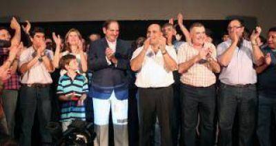 Pese a la derrota de Scioli, el PJ festejó el triunfo en Tucumán