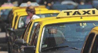 Legislación avalaría aumento en la tarifa de taxis