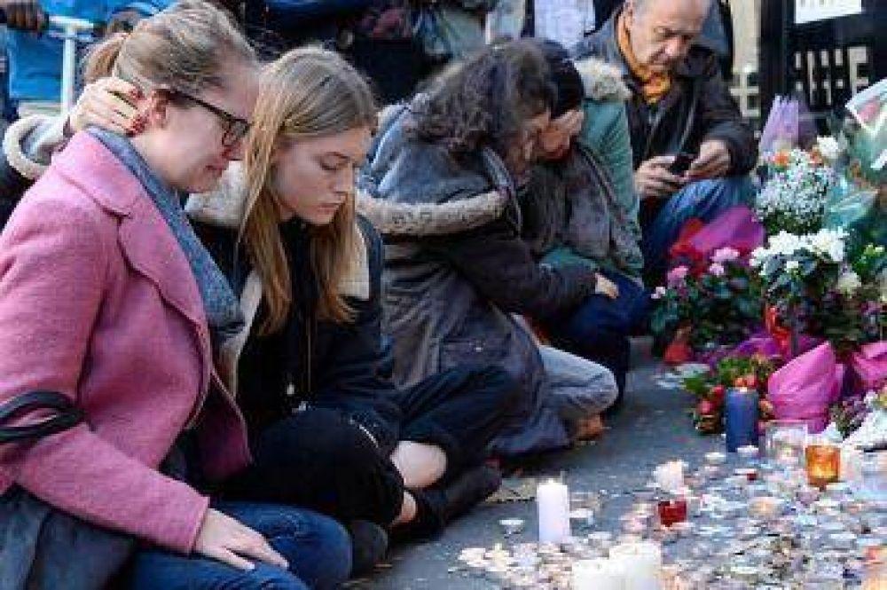 Francia: homenajes privados y ceremonias colectivas para despedir a las víctimas