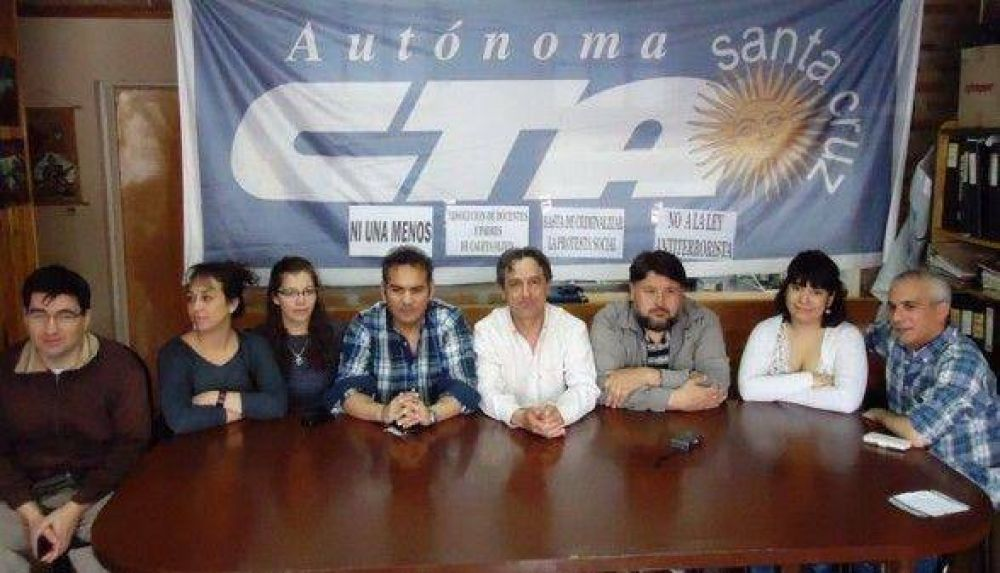 """""""El 25 será una jornada de lucha y paro provincial"""""""