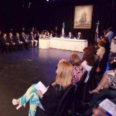 Casas, optimista con un di�logo �constructivo y respetuoso� con Macri