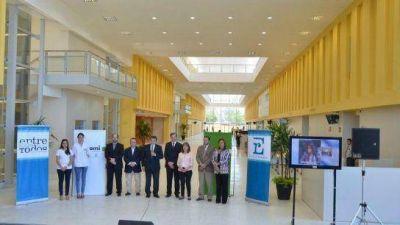 La Presidenta inauguró los consultorios externos y los laboratorios del nuevo hospital de Paraná