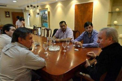 Peralta se reunió en Casa de Gobierno con intendentes electos