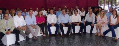 Vicente Gatica present� su gabinete completo