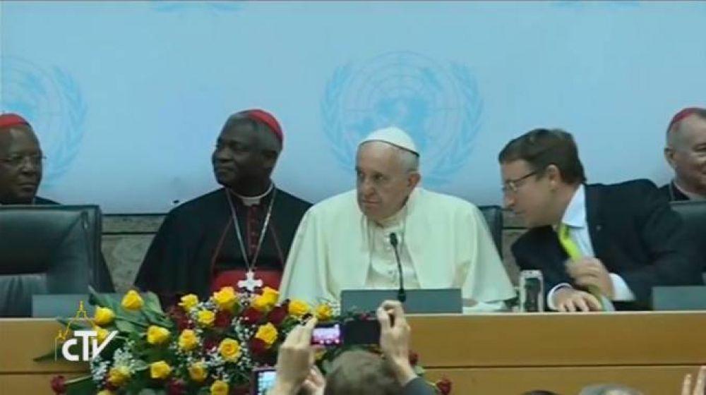 Papa Francisco a ONU: No tenemos derecho a ser indiferentes ante las vidas que naufragan
