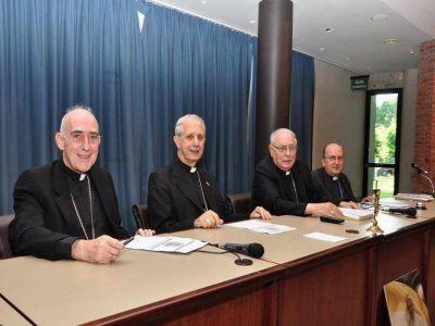 El Episcopado pidió a Dios que ilumine a Macri en su delicada misión