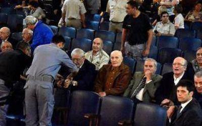Condenan a prisión perpetua a 18 represores en Bahía Blanca