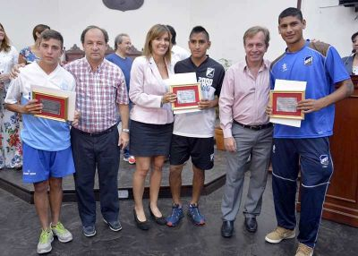 El Concejo Deliberante de Salta premió con becas a once deportistas