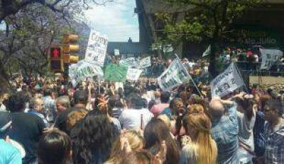 Callejeros: Suoem saca 30 asambleas a la calle