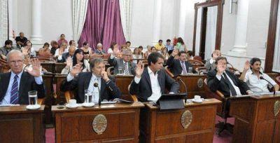 El Senado archiv� el proyecto que crea una tasa al consumo de combustible y sancion� el reclamo de coparticipaci�n