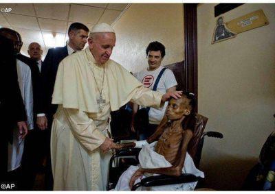 Mucha alegría, gratitud y esperanza en el mundo, por el enorme coraje apostólico de Francisco en África