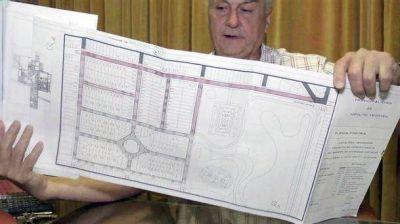 El Intendente Tkacik concretó la gestión de asfalto y ya ingresó el dinero