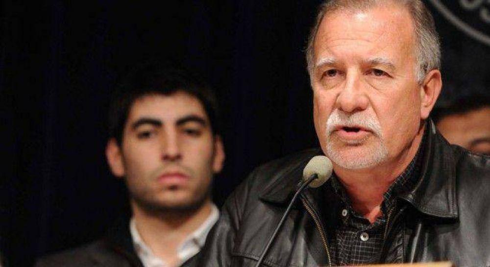 Moyano arma un bloque sindical para presionar a Macri