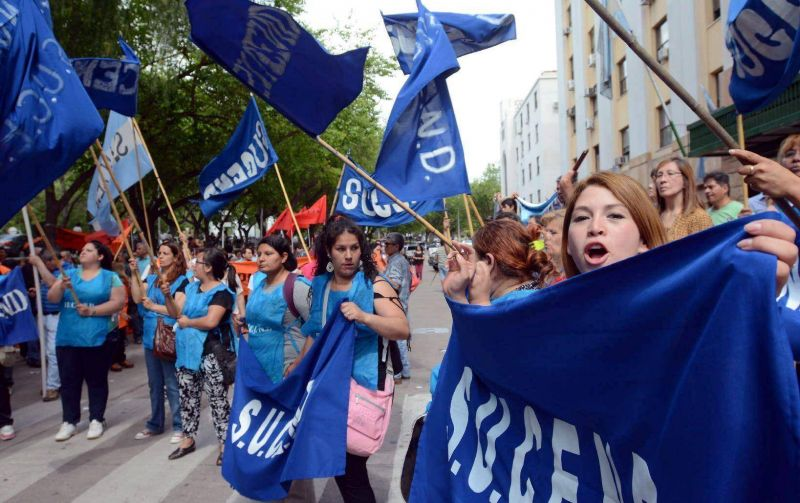 Divididos, los gremios hicieron su protesta