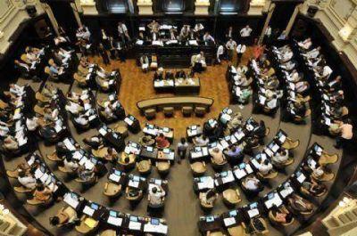 Negociaciones y cambios de última hora en la Legislatura