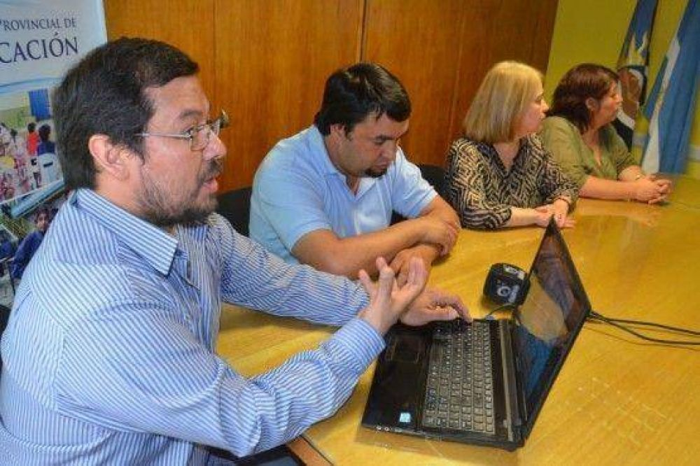 Educación presentó sistema para la descarga digital de recibos de sueldos