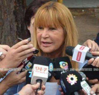 Traspasos complicados: Ayala viaja a la asunción de Macri