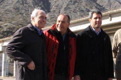 Dos funcionarios más continuarán con Uñac