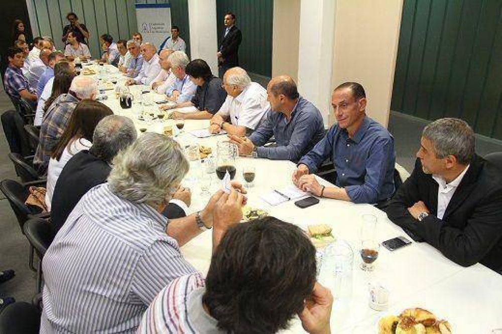 Jorge Ferraresi se reunió con 40 intendentes bonaerenses en la sede del Frente Nacional Peronista