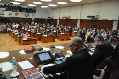 Hoy prestarán juramento los 24 diputados electos