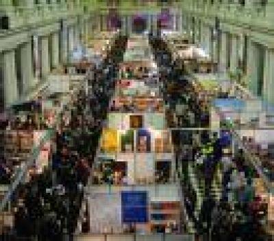 La Plata: Acertada decisión del nuevo gobierno comunal en seguir con la Feria del Libro