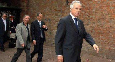 Guerra en intrigas entre Nosiglia, los jueces federales y la nueva cúpula de la ex SIDE
