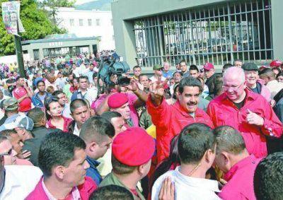 Maduro llamó a hacer una autocrítica y a fortalecer la unión