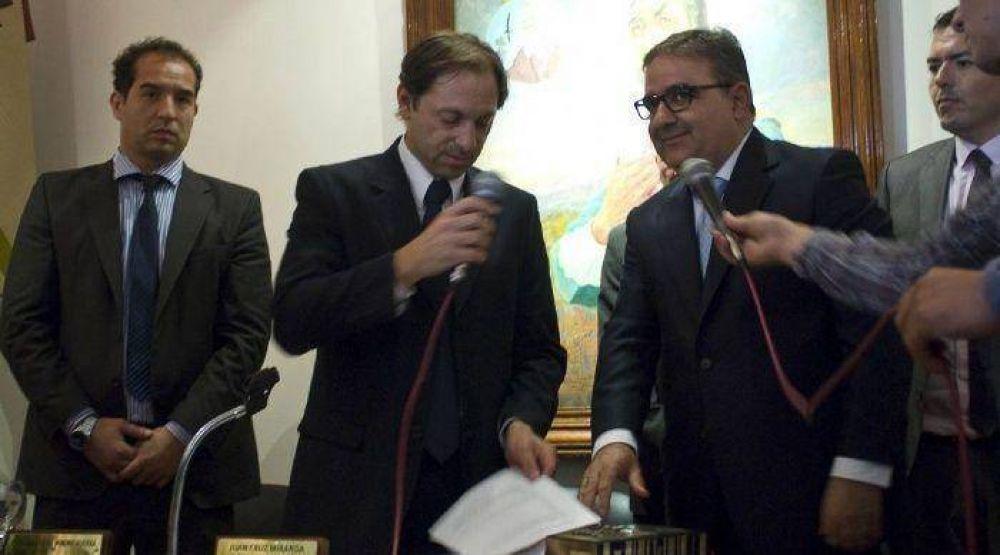 Raúl Jalil asumió su segundo período de gobierno