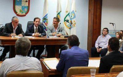 En la asunción de los nuevos concejales se dieron los primeros chispazos entre el FPV y Cambiemos