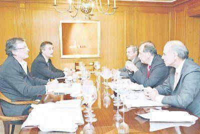 El G-6 gestiona reunión con Macri antes de fin de año
